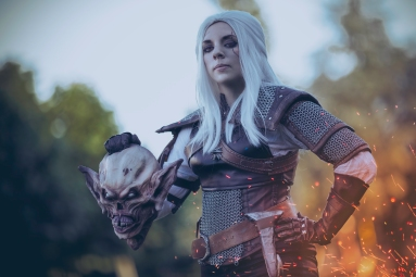 Geralt of Rivia Genderbed - Photo by Phoenix Orange