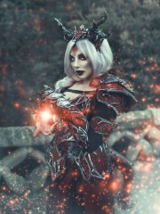 Dragon Sorceress - Photo by Rebeca Saray